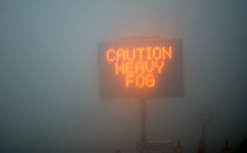 In de mist: Oproep aan alle automobilisten